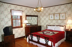 PictureLuxury Bed and Breakfast Room in Nauvoo IL